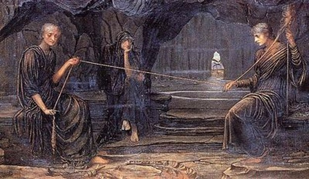 Le Moire Cloto e Lachesi intente ad attorcere e avvolgere il filo del fato. La Moira Atropo siede nell'attesa inesorabile di reciderlo - John Strudwick, A Golden Thread (Un filo prezioso), 1885 (olio su tela)